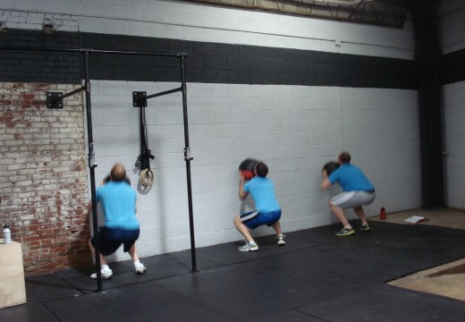 WOD Kipping Pullups, Wallballs, Kettlebell Swings, Pushups